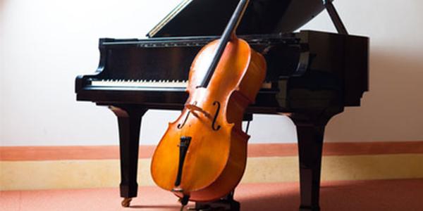 cello-am-klavier_600px